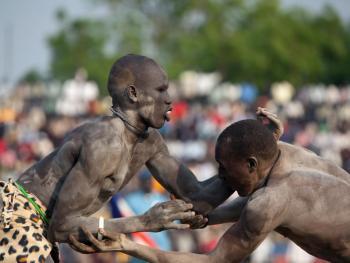 南苏丹传统摔跤08