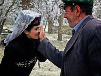 塔吉克人的亲吻礼仪05
