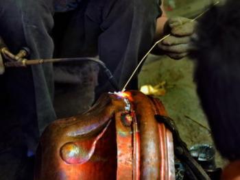 藏传佛教铜器用品的制作09
