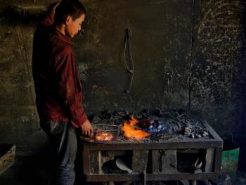 藏传佛教铜器用品的制作10