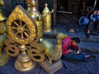 藏传佛教铜器用品的制作