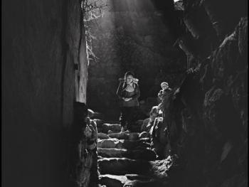山洞里的村庄02