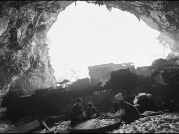 山洞里的村庄04