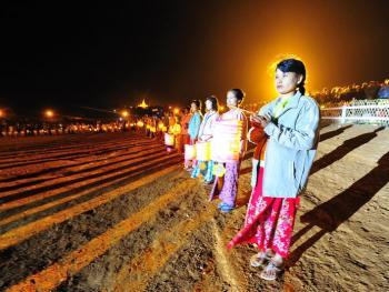 缅甸灯节04