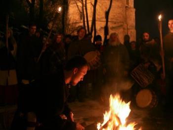 春分时的火祭09