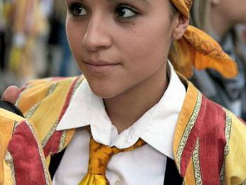 西班牙瓜达拉哈拉省的节日服饰10