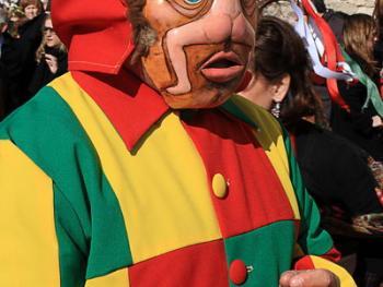 西班牙瓜达拉哈拉省的节日服饰06