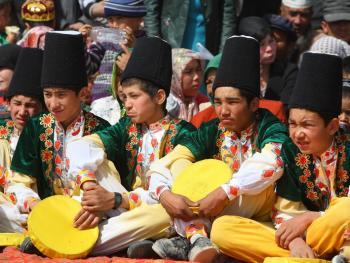 维吾尔族的花帽08
