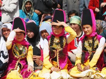 维吾尔族的花帽09