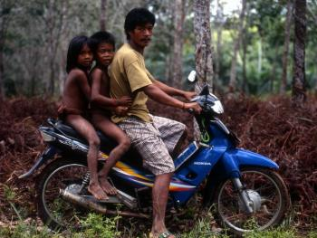 印度尼西亚丛林里的孩子10