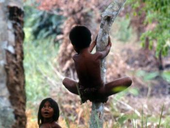 印度尼西亚丛林里的孩子01