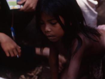 印度尼西亚丛林里的孩子09