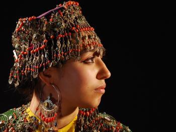 乌兹别克斯坦妇女的传统服饰12
