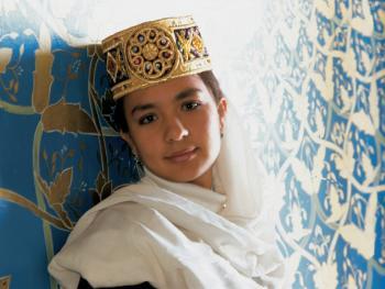乌兹别克斯坦妇女的传统服饰14