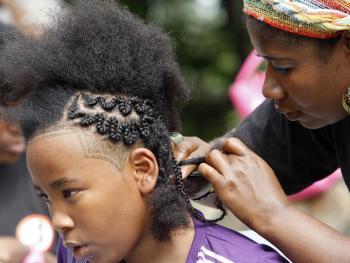 非洲裔妇女发型设计大赛13