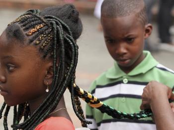 非洲裔妇女发型设计大赛04