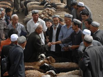 喀什老城中的维吾尔人12