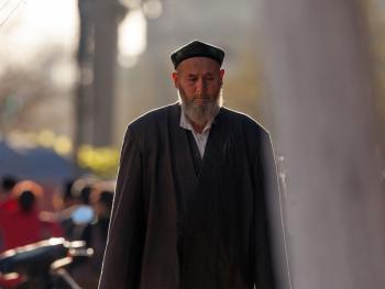 喀什老城中的维吾尔人01
