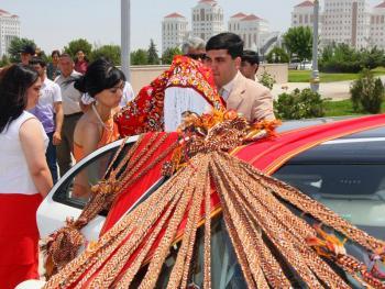 土库曼斯坦传统服饰05