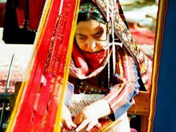 土库曼斯坦传统服饰06