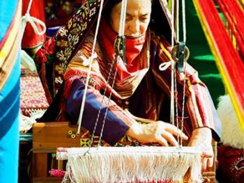 土库曼斯坦传统服饰08