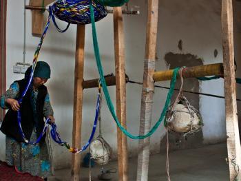 维吾尔族的艾德莱斯绸03