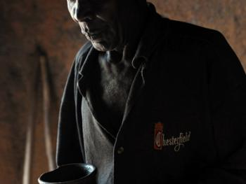 坦桑尼亚的传统医生09