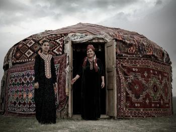 圆顶帐篷里的乌兹别克人03