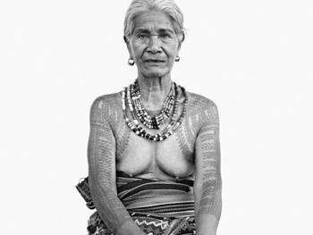 菲律宾卡林阿的纹身妇女02