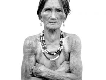 菲律宾卡林阿的纹身妇女04