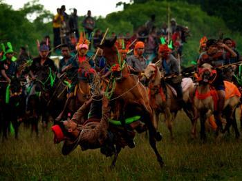 巴梭拉战争节