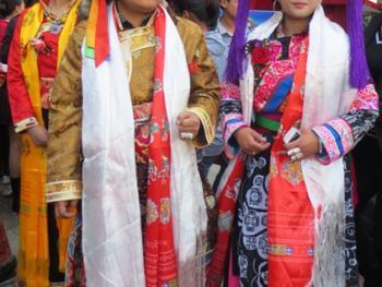 纳木依藏族的女子服饰12