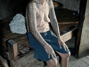 卡林阿族老妇人和她们的纹身7
