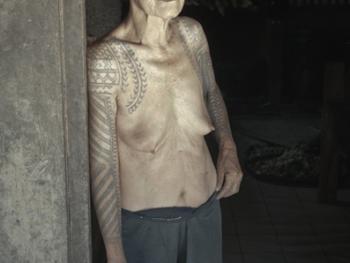 卡林阿族老妇人和她们的纹身8
