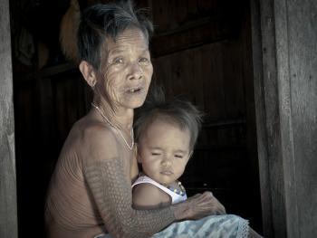 卡林阿族老妇人和她们的纹身9