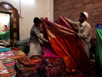瓦拉纳西的纱丽制造11