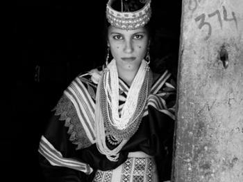 卡拉什女性11