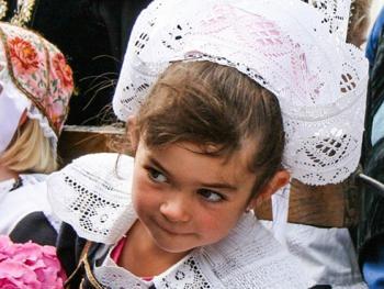 克罗松半岛居民的传统服饰05