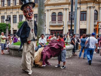 哥斯达黎加牛车游行04