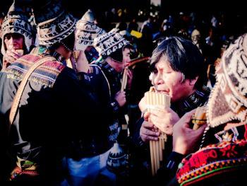 圣保罗市玻利维亚人的狂欢节09