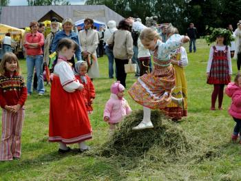 俄罗斯桦树节12