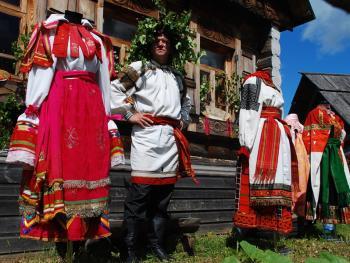 俄罗斯桦树节05