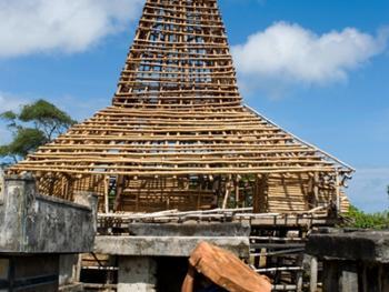 松巴岛传统房屋的建造10