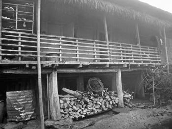 雷布查人的传统房屋05