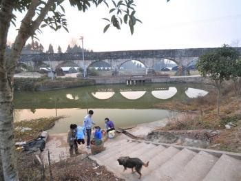 农业学大寨时修的水渠09