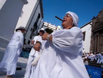 加纳利群岛的白色狂欢节