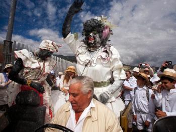 加纳利群岛的白色狂欢节05