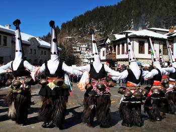 保加利亚的面具游行02
