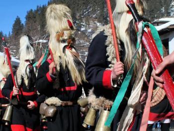 保加利亚的面具游行03