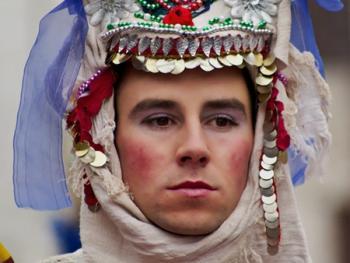 保加利亚的面具游行06